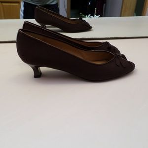 STUART WEITZMAN BROWN SATIN OPEN TOED SHOES - NUC